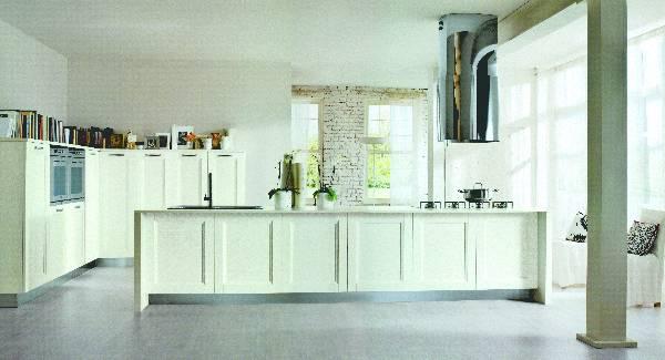 Кухня массив Альба белая